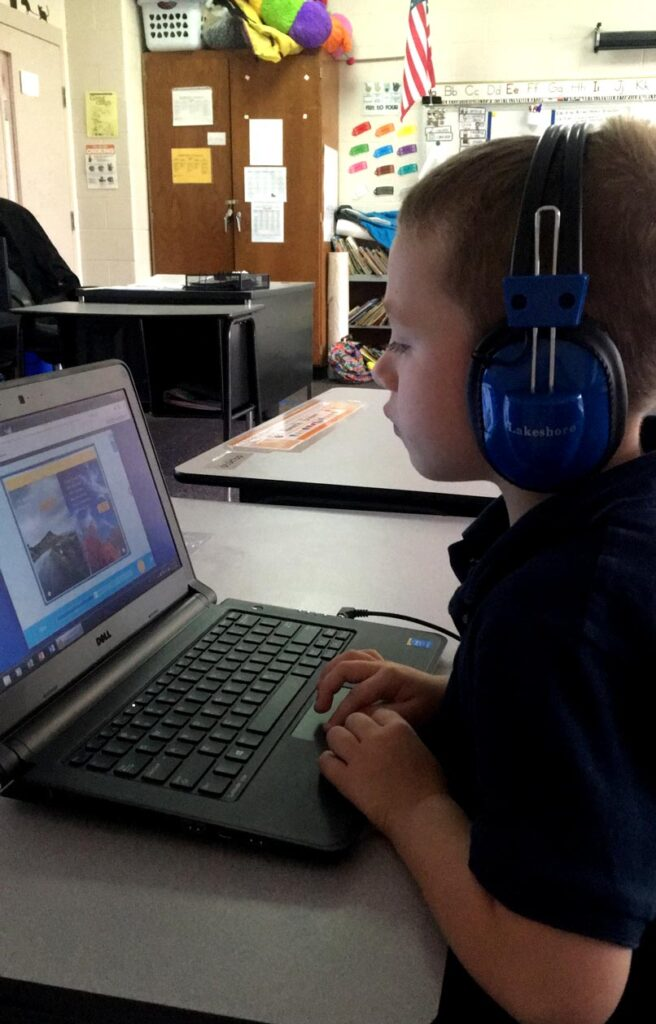 student using online resources